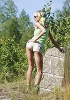 Teen Poses Outdoor