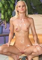 Uma's Oiled Up Body