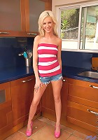 Nubiles.net Kaylee Hilton - Naughty teen Kaylee Hilton teases her wet pussy in the kitchen sink