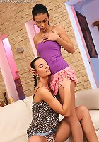 Silvia and Susan - Dazzling brunettes finger and lick